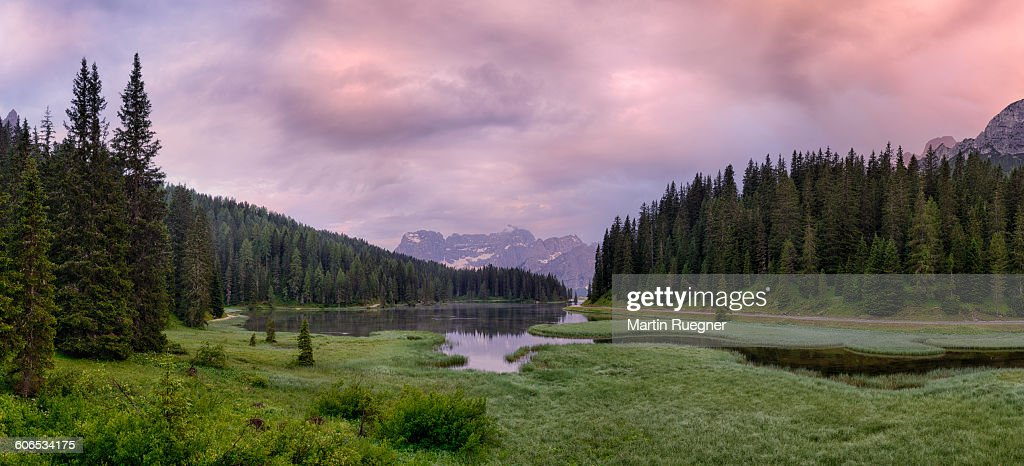 Misurina Lake with Sorapis mountain massif. : ストックフォト