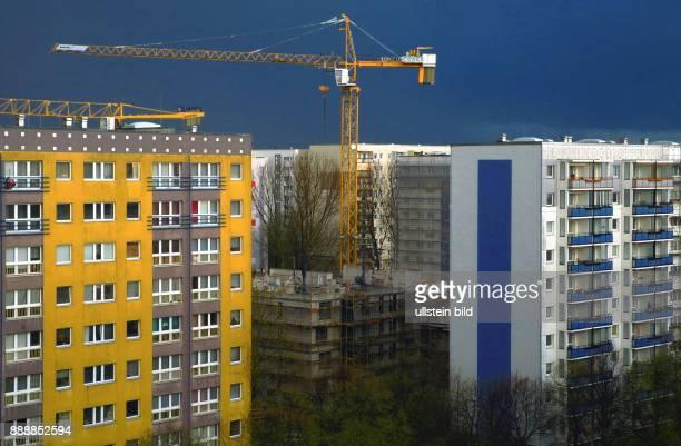 Mit dem Neubauprojekt Schmidstrasse 13 u 15 schafft die WBM seit September 2015 durch Verdichtung zwischen alten Plattenbauten der 70 Jahre neuen...