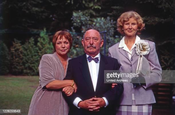 Mit einem Bein im Grab Fernsehserie Deutschland 1996 1998 Darsteller Brigitte Böttrich Heinz Schubert Irm Hermann