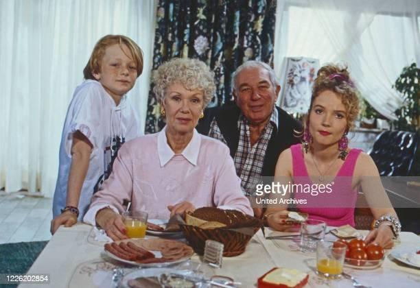 Mit Herz und Schnauze, Fernsehserie, Deutschland 1992, Regie: Rob Herzet, Darsteller: Pascal Freitag, Maria Sebaldt, Horst Niendorf, Myriam Stark