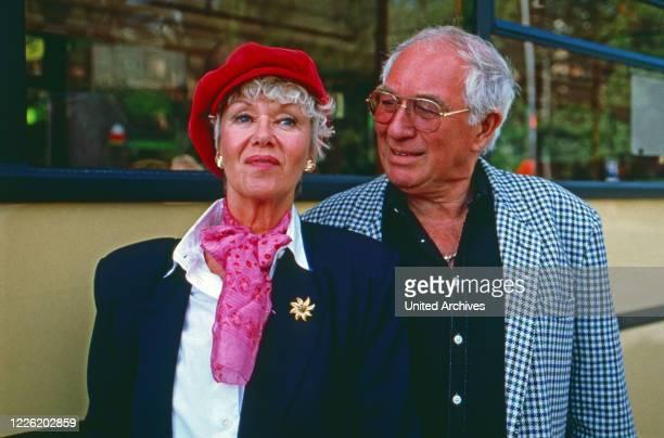 Mit Herz und Schnauze, Fernsehserie, Deutschland 1992, Regie: Rob Herzet, Darsteller: Maria Sebaldt, Horst Niendorf