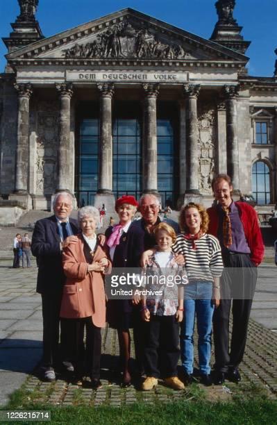Mit Herz und Schnauze, Fernsehserie, Deutschland 1992, Regie: Rob Herzet, Darsteller: Hans Caninenberg, Karin Hardt, Maria Sebaldt, Horst Niendorf,...