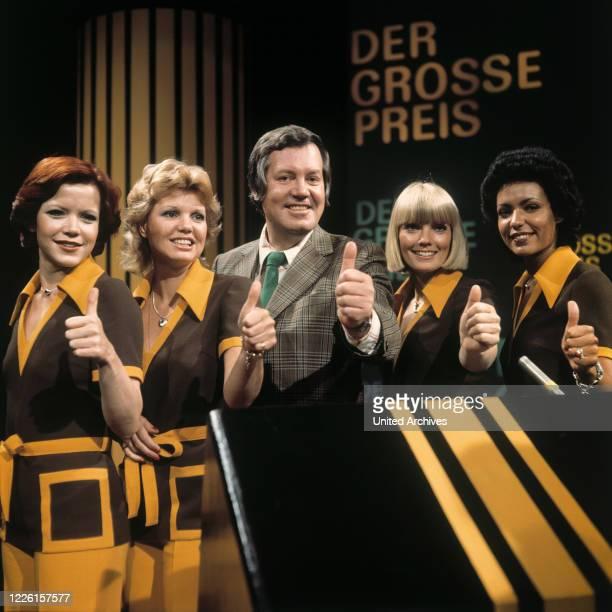 THOELKE mit seinen Assistentinnen SILVIA BRETSCHNEIDER MARIANNE PRILL BEATE HOPF JANITA KÜHNL Sendung vom 3101974