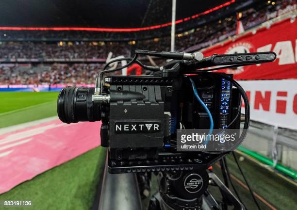 Mit Spezialkameras werden die Aufnahmen fuer die VR Brillen produziert waehrend dem Fussball Bundesliga Spiel FC Bayern Muenchen gegen SV Werder...