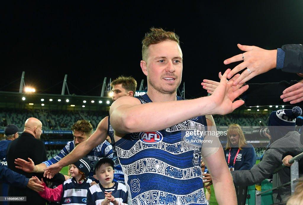AFL Rd 23 - Geelong v Carlton : News Photo