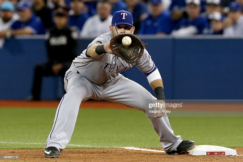 Division Series - Texas Rangers v Toronto Blue Jays - Game Five : ニュース写真