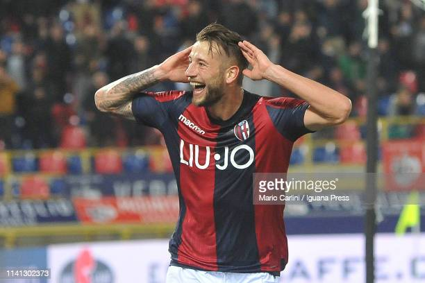Mitchell Dijks of Bologna FC celebrates after scoring his team's third goal during the Serie A match between Bologna FC and Chievo at Stadio Renato...