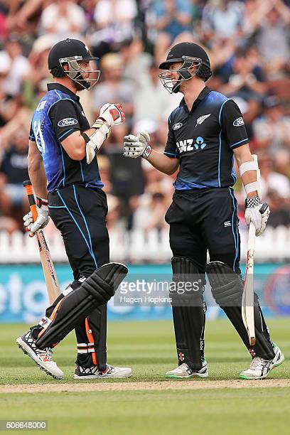 Mitchell McClenaghan and Matt Henry of New Zealand talk in between deliveries during the One Day International match between New Zealand and Pakistan...