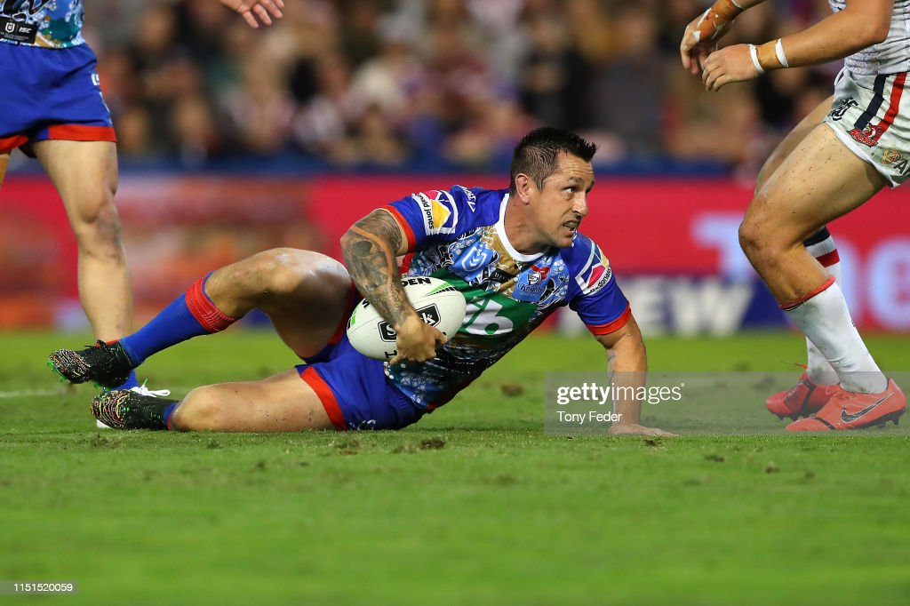NRL Rd 11 - Knights v Roosters : News Photo