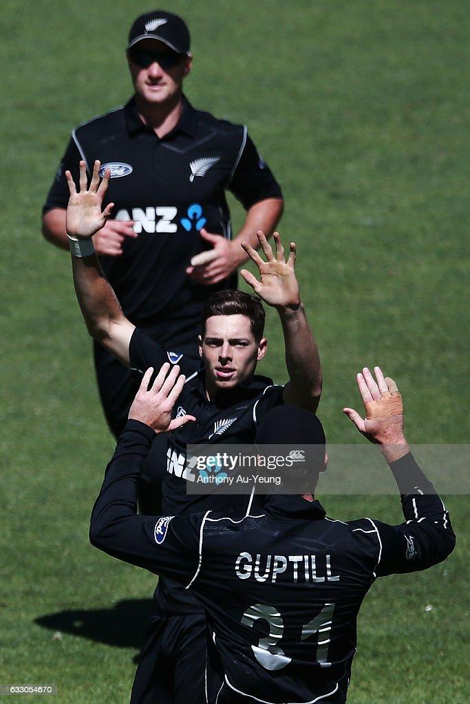 New Zealand v Australia - 1st ODI : News Photo