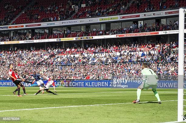 Mitchell Te Vrede of Feyenoord Ruben Schaken of Feyenoord Issa Kallon of FC Utrecht Luke Wilkshire of Feyenoord goalkeeper Erwin Mulder of Feyenoord...