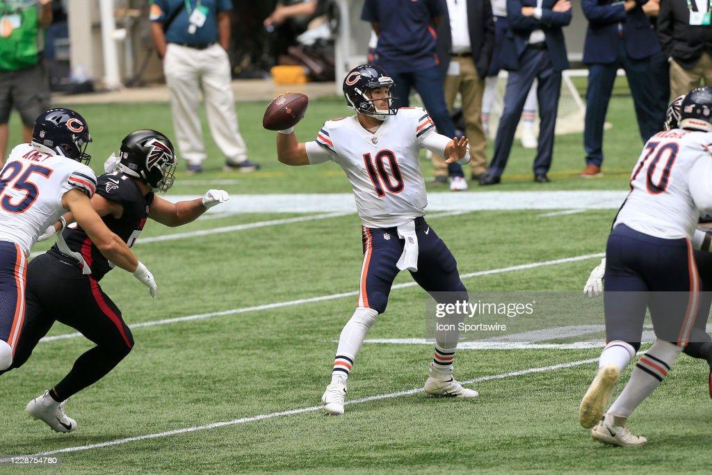 NFL: SEP 27 Bears at Falcons : News Photo