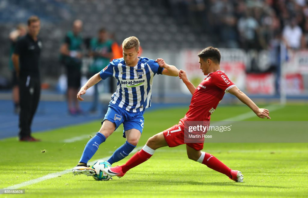 Mitchell Weiser of Hertha BSC Berlin (l) and Josip Brekalo of VfB Stuttgart during the Bundesliga match between Hertha BSC and VfB Stuttgart at Olympiastadion on August 19, 2017 in Berlin, Germany.
