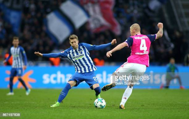 Mitchell Weiser of Hertha BSC fights for the ball with Rick van Drongelen of Hamburger SV during the Bundesliga match between Hertha BSC and...