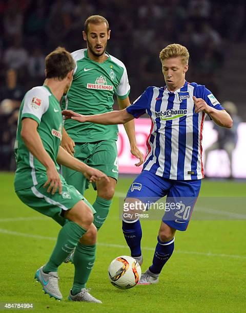 Mitchell Weiser of Hertha BSC handles the ball against Alejandro Glvez of Werder Bremen during the game between Hertha BSC and Werder Bremen on...