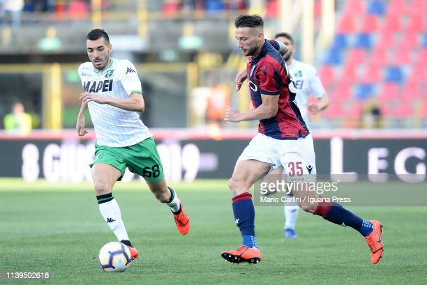 Mitchelll Dijks of Bologna FC in action during the Serie A match between Bologna FC and US Sassuolo at Stadio Renato Dall'Ara on March 31 2019 in...