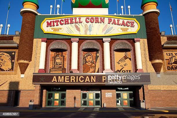 mitchell's corn palace - terryfic3d stockfoto's en -beelden