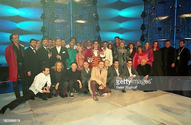 Mitglieder der Gruppe 'Tagträumer'Moderator Axel Bulthaupt 'Illegal 2001' Wolf Maahn 'GermanTenors' Mitglieder der Gruppe'Tagträumer' 'Soultans'...