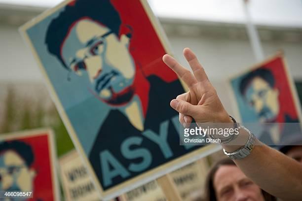 CONTENT] Mitglieder des Kampagnennetzwerk Campact versammelten sich am Donnerstag den 4 Juli 2013 in Berlin vor dem Kanzleramt zu einer...