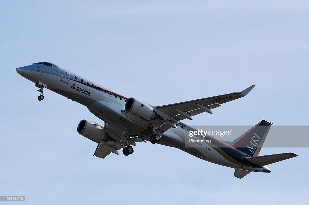 Japan's Mitsubishi Regional Jet (MRJ) Takes To The Skies For First Flight : News Photo