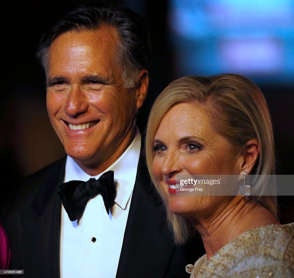 Mitt Romney Takes On Evander Holyfield In Charity Boxing Event : News Photo