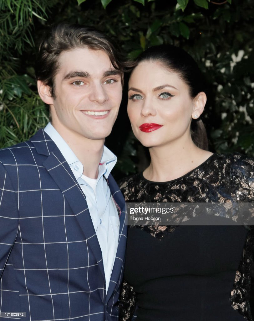RJ Mitte and Jodi Lyn O'Keefe attend the Academy of Science Fiction, Fantasy & Horror Films 2013 Saturn Awards at The Castaway on June 26, 2013 in Burbank, California.