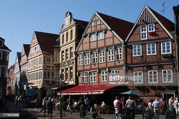 Mittelalterfest am Schwedenspeicher zu '750 Jahre Stapelrecht' Altstadt Stade Niedersachsen Deutschland Europa Fachwerkhäuser Reise