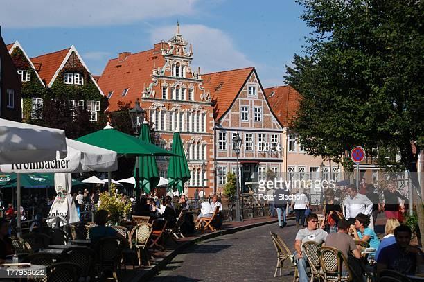 Mittelalterfest am Schwedenspeicher zu '750 Jahre Stapelrecht' Altstadt Stade Niedersachsen Deutschland Europa Reise