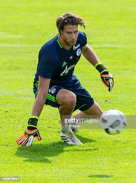 Mittersill, Oesterreich, , Trainingslager FC Schalke 04, Torwart Fabian Giefer
