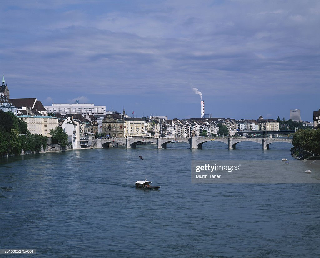 Mittlere Bridge over Rhine river : Foto stock