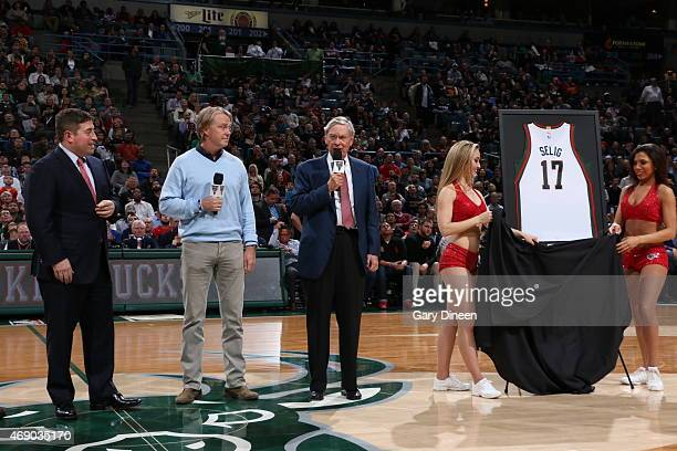 Miwaukee Bucks owner Wes Edens unveiles a Bud Selig before the Cleveland Cavaliers game against the Milwaukee Bucks on April 8 2015 at the BMO Harris...