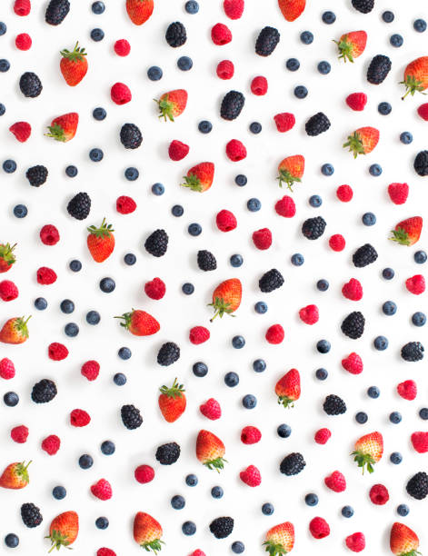 mix berry fruits on white background. - 藍莓 個照片及圖片檔