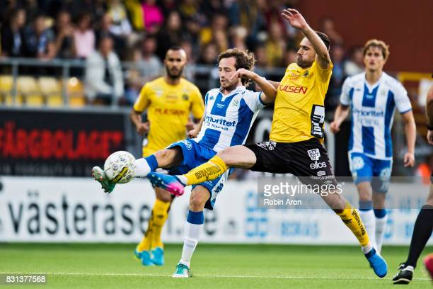 Mix Diskerud of IFK Goteborg and Emir Bajrami of IF Elfsborg during the Allsvenskan match between IF Elfsborg and IFK Goteborg at Boras Arena on...