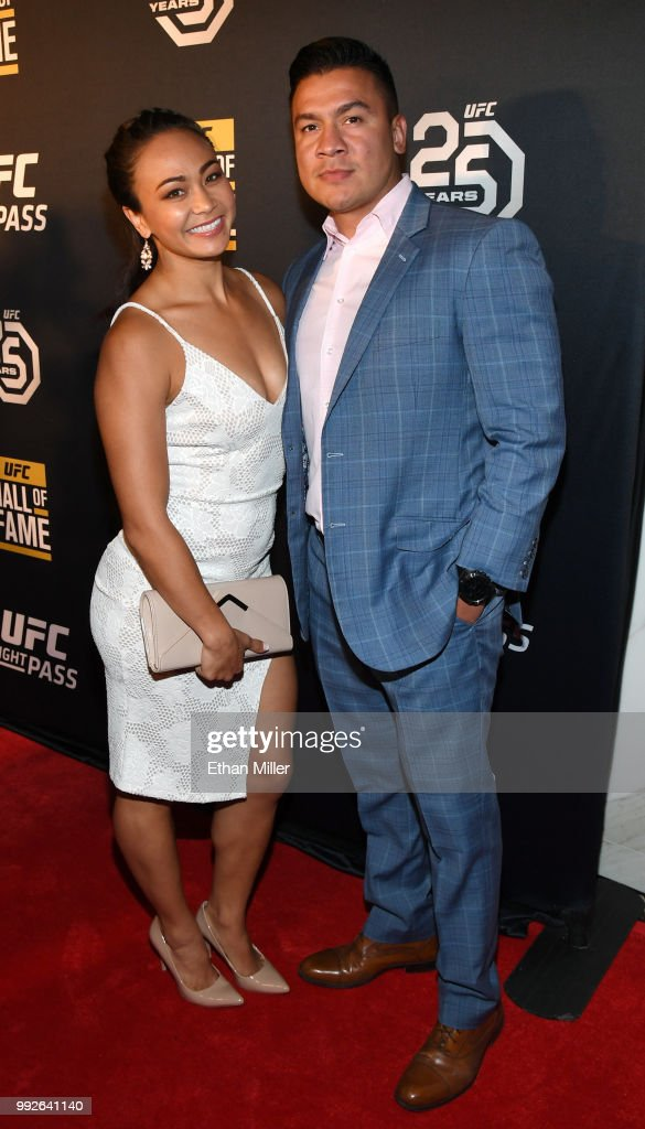Mixed Martial Artist Michelle Waterson And Her Husband Joshua Gomez News Photo Getty Images She fights like a lioness when she is in the ring. https www gettyimages co uk detail news photo mixed martial artist michelle waterson and her husband news photo 992641140
