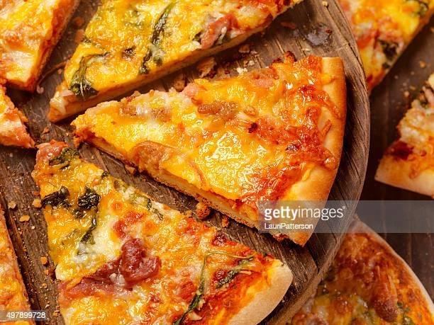 Plusieurs tranches de Pizza