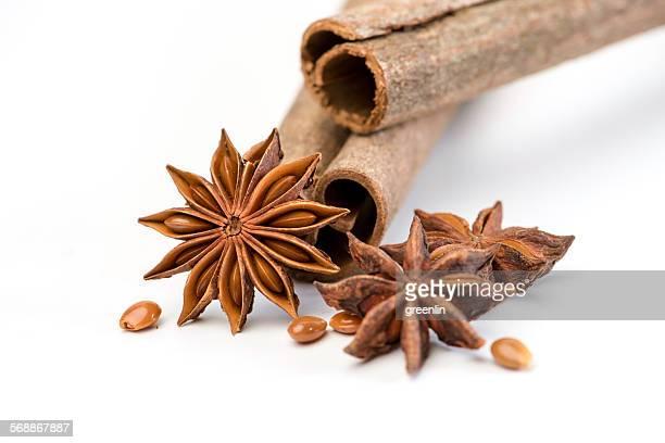 mixed spices - gewürznelke stock-fotos und bilder