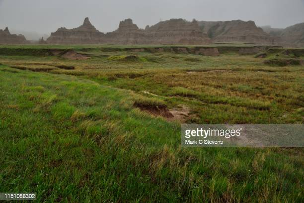 mixed-grass prairie and badlands formations - great plains stock pictures, royalty-free photos & images