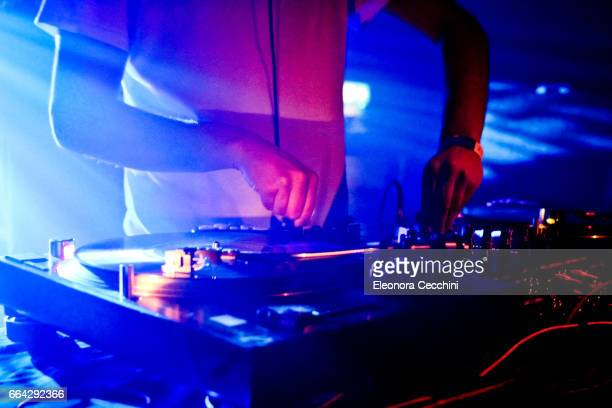 dj mixing - electronic music stock pictures, royalty-free photos & images