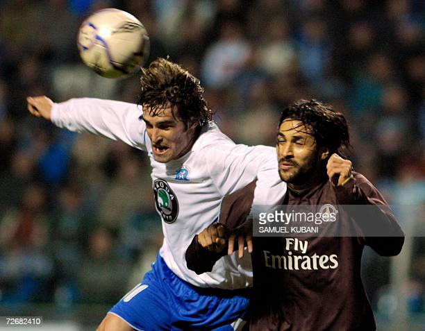 Paris Saint Germain's Mario Yepes fights for the ball with Tomas Sedlacek of Mlada Boleslav during their UEFA Group G football match in Mlada...