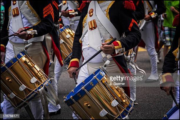 mlitary parade through the streets - 軍事パレード ストックフォトと画像