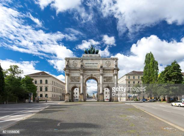 münchen siegestor - munich stock pictures, royalty-free photos & images