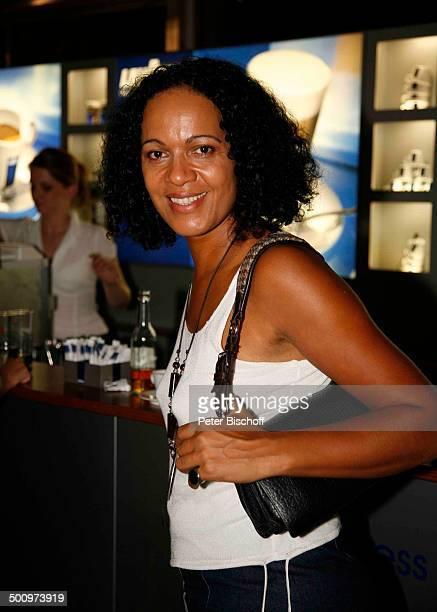 Mo Asumang Hessischer Filmpreis und Kinopreis 2006 Gala Frankfurter Oper Frankfurt am Main Deutschland PNr 1483/2006 Schmuck Kette Halskette...
