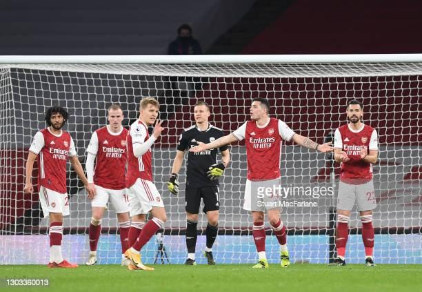 Mo Elneny, Rob Holding, Martin Odegaard, Bernd Leno, Granit Xhaka and Pabo Mari of Arsenal during the Premier League match between Arsenal and...