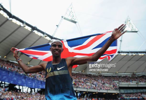 Mo Farah of Great Britain celebrates after winning the Men's 3000m during day two of the Sainsbury's Anniversary Games IAAF Diamond League 2013 at...