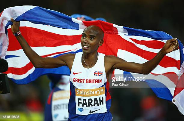 Mo Farah of Great Britain celebrates after winning the Mens 3000m Final during day one of the Sainsbury's Anniversary Games at The Stadium Queen...