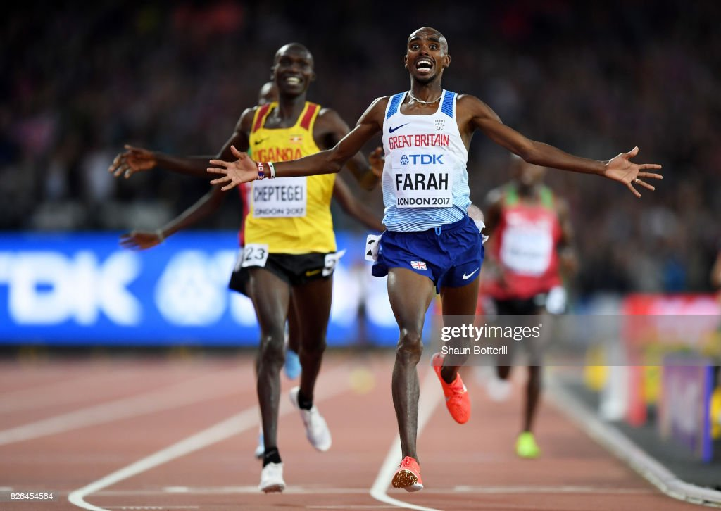 Mo Farah of Great Britain celebrates winning gold in the Men's 10000 metres final during day one of the 16th IAAF World Athletics Championships London 2017 at The London Stadium on August 4, 2017 in London, United Kingdom.