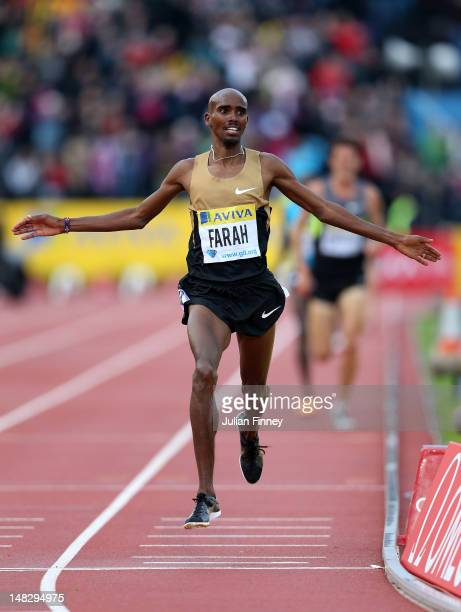 Mo Farah of Great Britain celebrates winning in the 5000m during day one of the Aviva London Grand Prix at Crystal Palace on July 13, 2012 in London,...