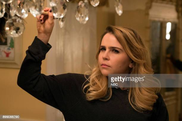 GIRLS Mo Money Mo Problems Episode 102 Pictured Mae Whitman as Annie Marks