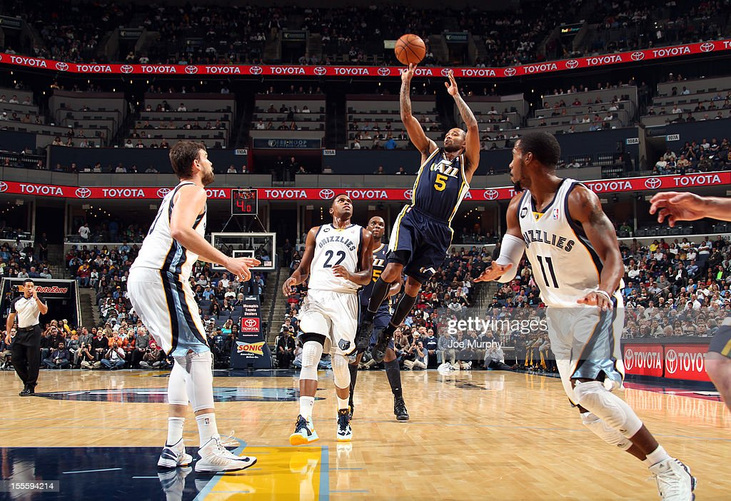 Mo Williams #5 of the Utah Jazz shoots against the Memphis Grizzlies on November 5, 2012 at FedExForum in Memphis, Tennessee.