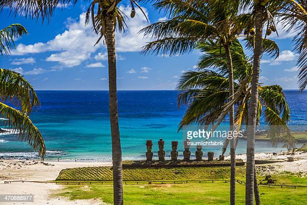 moai statues on easter island - easter island stock pictures, royalty-free photos & images